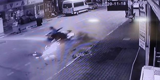 Kontrolden çıkarak motosiklet savruldu! İki kişi ölümden döndü
