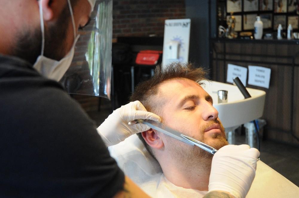 Korona virüs korkusu sakalları vurdu