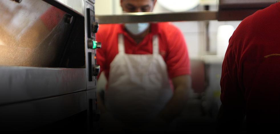 Koronavirüs salgını Avrupa'daki Türk restoronları nasıl etkiledi? Türk işletme sahipleri konuştu