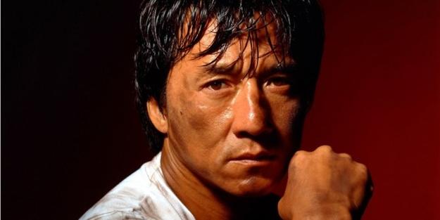Koronavirüse yakalandığı iddia edilen Jackie Chan karantinaya mı alındı? Açıklama geldi