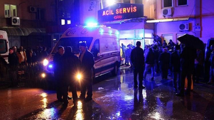 Köy minibüsü uçuruma devrildi: 1 ölü, 14 yaralı