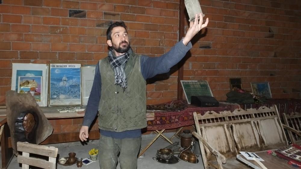 Köydeki eski eşya mezadı antika meraklılarını buluşturuyor