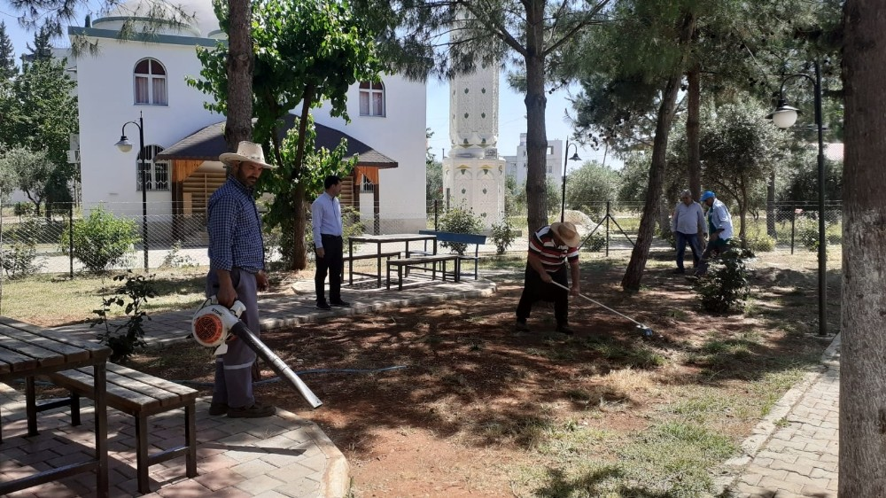 Kozan'da cuma namazı için hazırlıklar tamamlandı