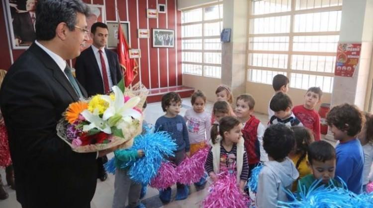 Küçükçekmece Belediye Başkanı Karadeniz öğrencilerle buluştu