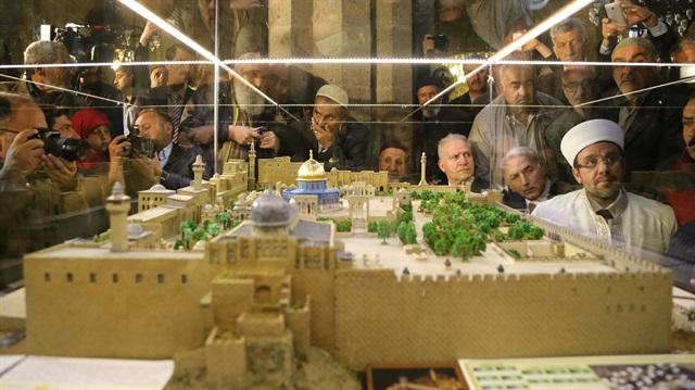 Kudüs toprağıyla Mescid-i Aksa maketi