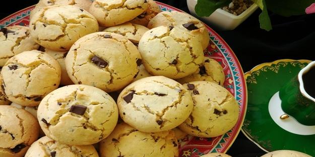 Kuru üzümlü tarçınlı kurabiye nasıl yapılır?