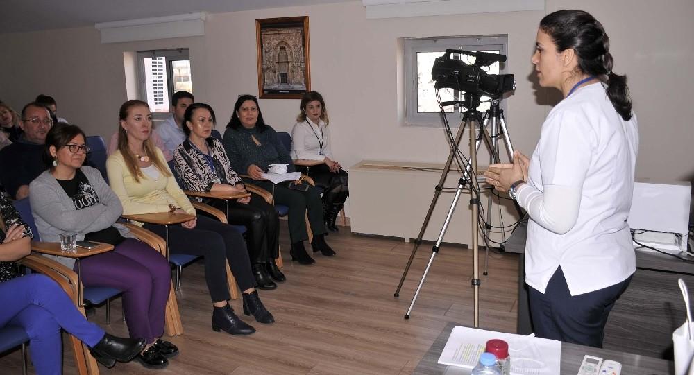 Kuşadası Belediyesi personeline koronavirüs eğitimi verildi