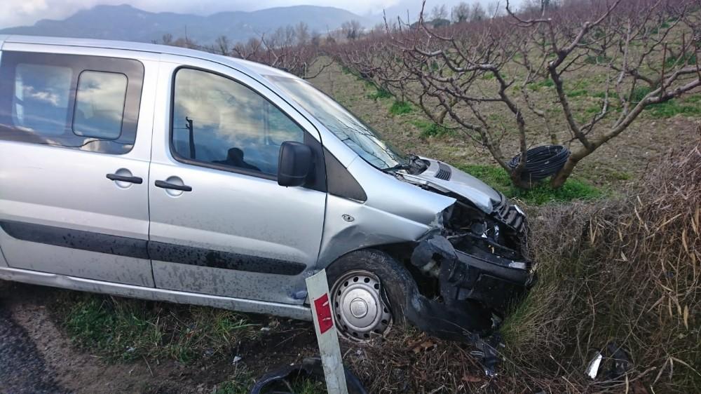 Kuşadası'nda trafik kazası: 1 ağır yaralı