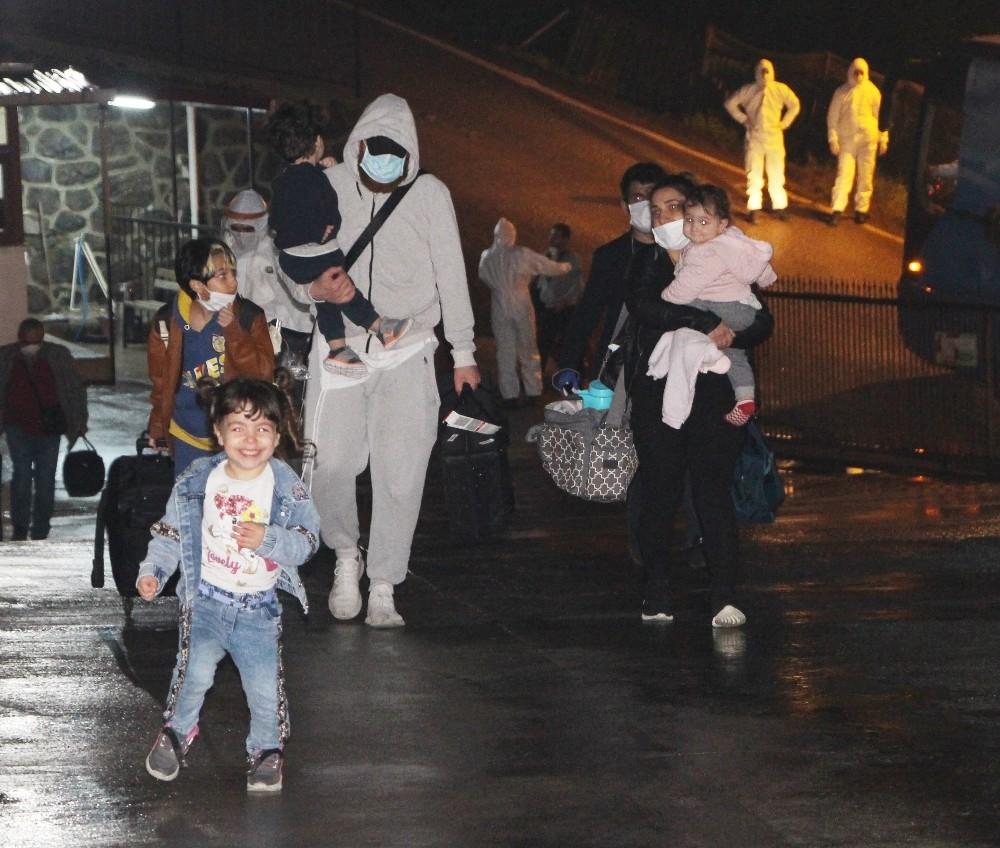 Kuveyt'den gelen 132 Türk işçisi Trabzon'da karantinaya alındı