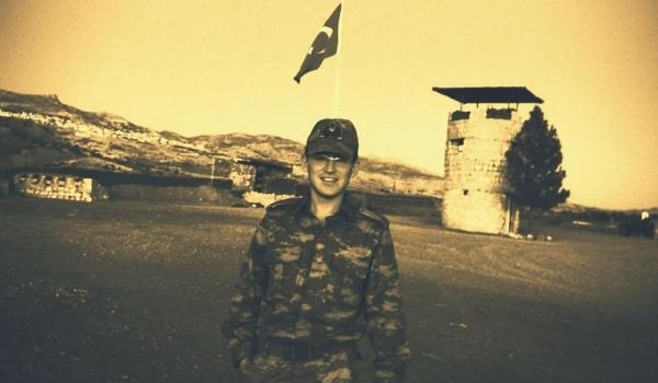 Kuzey Irak'ta DAEŞ'in şehit ettiği Üsteğmen İsmail Cengiz'in acı haberi İzmir Karşıyaka'ya düştü