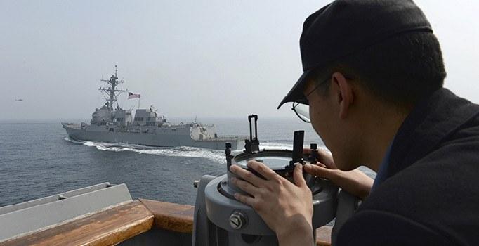 Kuzey Kore, Amerika'nın nükleer gemisine dev tatbikatla cevap verdi