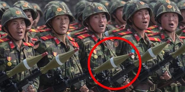 Kuzey Kore'den 'sahte silahlı' gövde gösterisi!