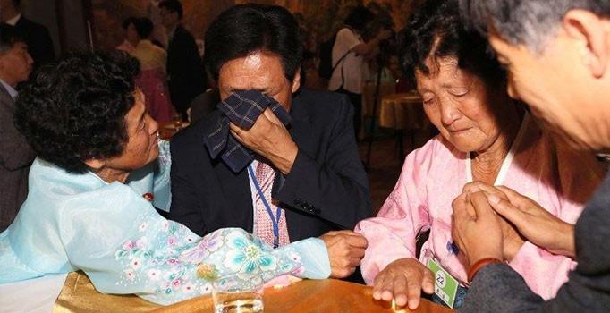 Kuzey ve Güney Kore'nin parçalanmış aileleri bir araya geldi
