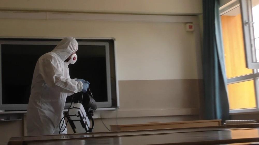 LGS öncesi okullar dezenfekte edildi