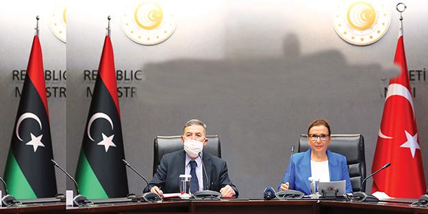 Libya ile imzalar atıldı