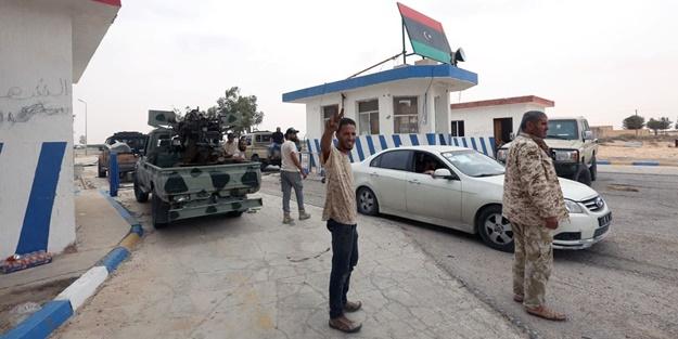 Libya Ordusu Trablus Havalimanı'nı almak için ilerliyor