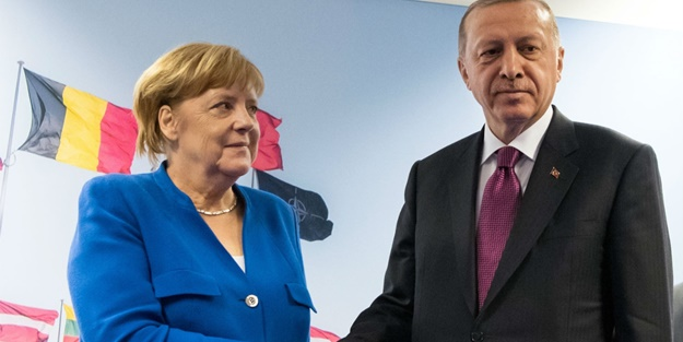 Libya zirvesi sonrası Merkel'den flaş Türkiye kararı