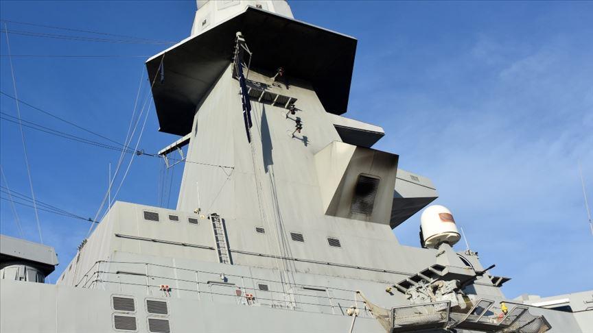 Libya'da BAE bandıralı tanker limana yanaştırılmayıp kıyıda bekletildi