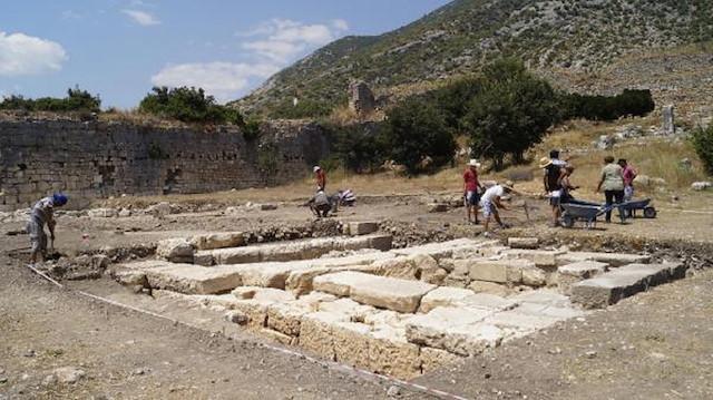 Limyra Antik Kenti'nde 50. sene kazıları