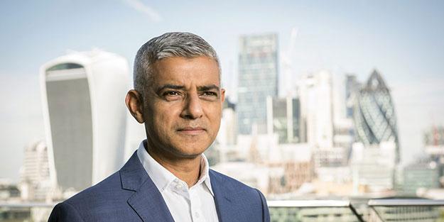 Londra Belediyesi'nin Müslüman Başkanı Sadık Khan'a domuzlu saldırı!