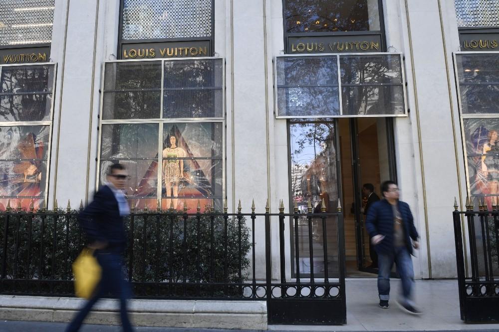 Louis Vuitton'dan Notre Dame'ın tamirine 200 milyon euro