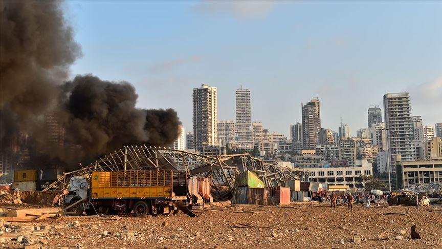 Lübnan Elektrik Kurumu merkez binası patlama sonucu tamamen yıkıldı