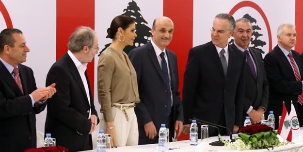 Lübnan, İran'a teslim oluyor