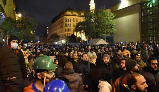 Lübnan kaynıyor! Protesto gösterilerinde 114 kişi yaralandı