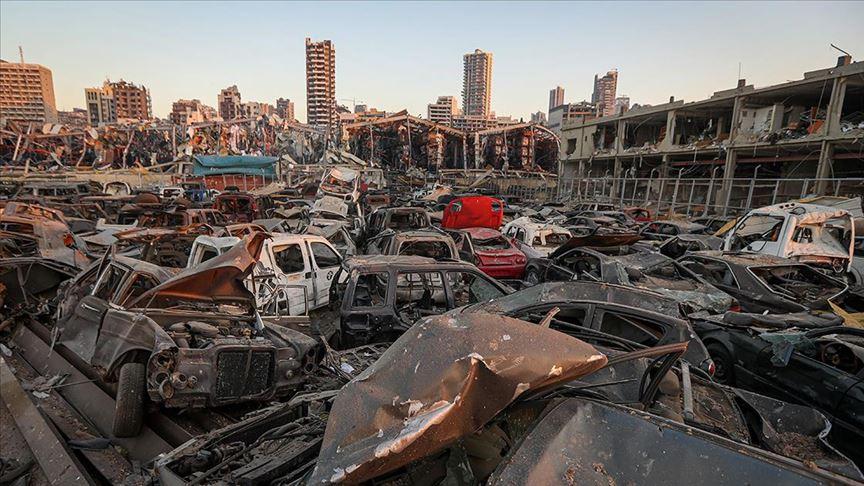 Lübnan'ın can damarı Beyrut Limanı enkaz altında