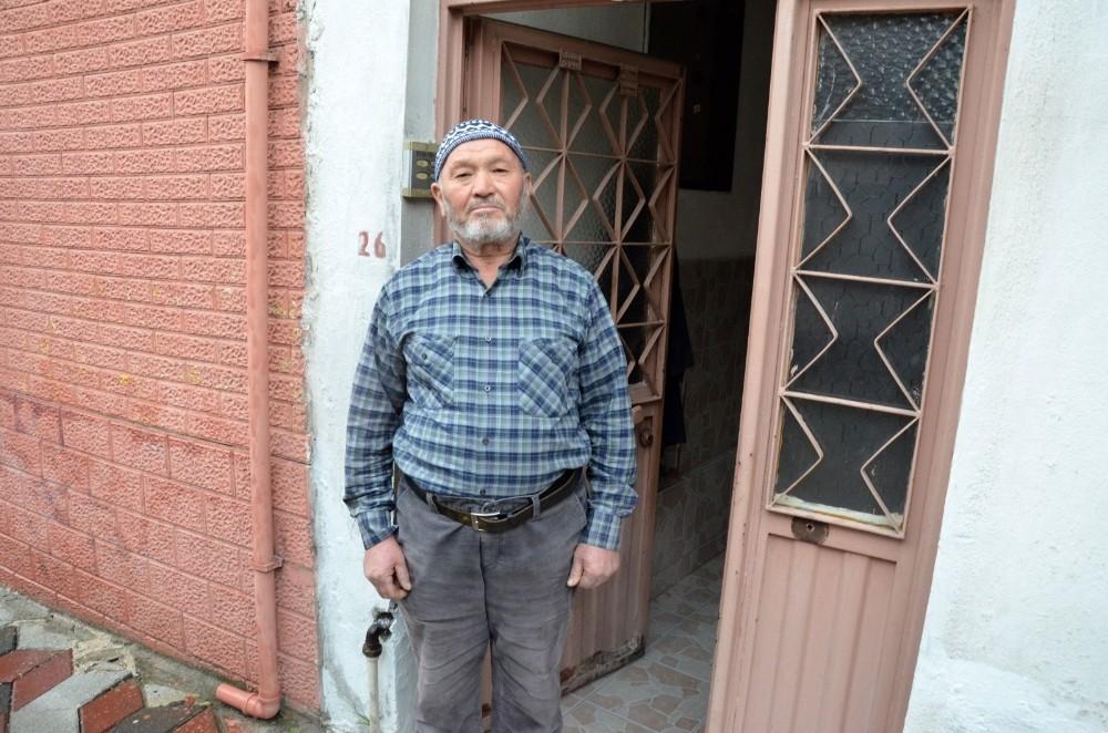 Maaşını bağışlayan Kıbrıs Gazisi'ne Vali Deniz'den teşekkür