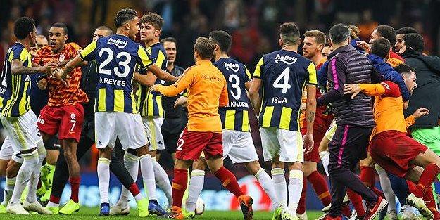 Maçtan sonra 3 kırmızı 1 sarı kart çıktı!