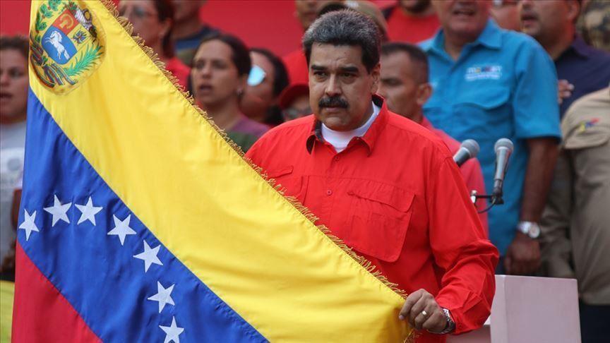 Maduro'dan çift başkan kriziyle bölünen Ulusal Meclis'e kapanma tehlikesi uyarısı