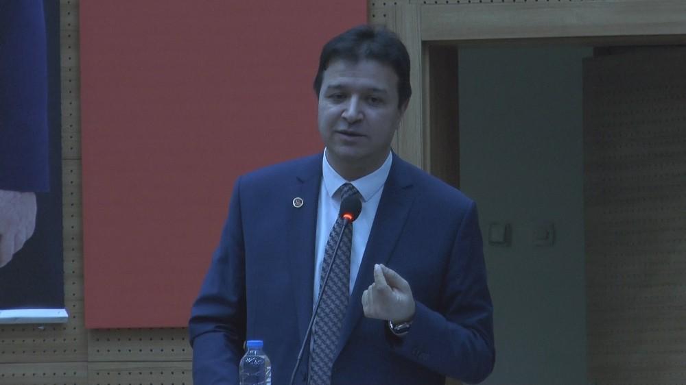 """Mahmut Arıkan: """"Hükümet deprem hadisesini kapatmak için elinden geleni yapıyor"""""""