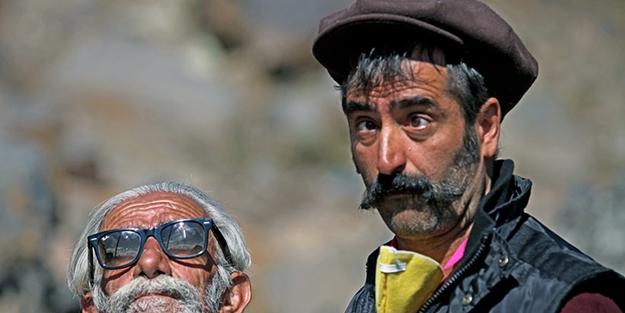 "Mahsun Kırmızıgül'ün ""Kardeşlik türküsü"" çalıntı çıktı!"