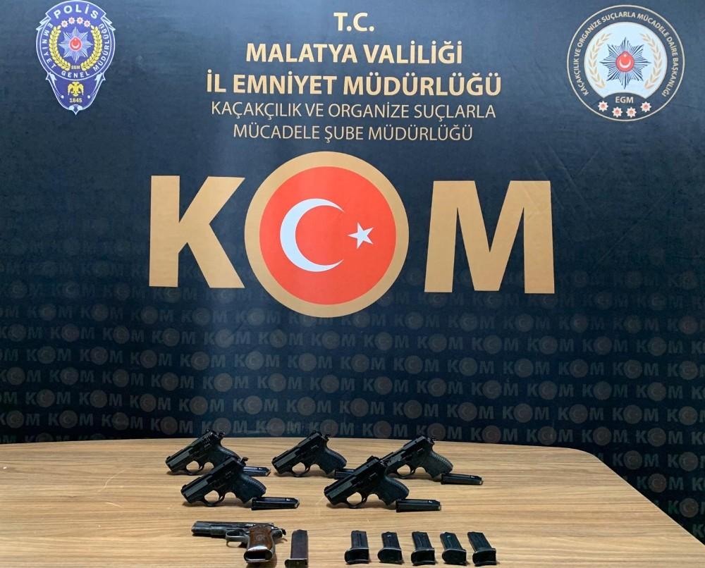 Malatya'da 6 tabanca ele geçirildi