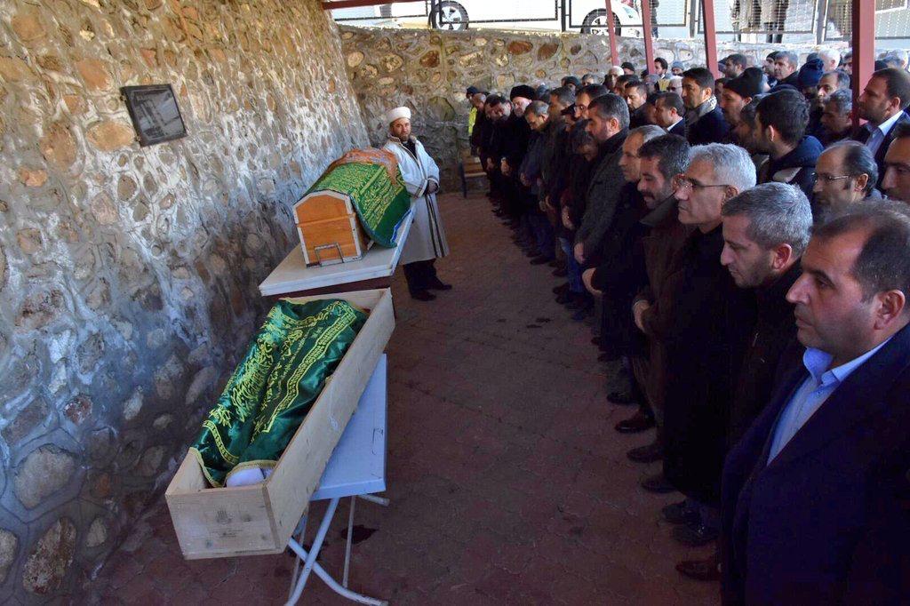 Malatya'da depremde ölen 4 vatandaş toprağa verildi