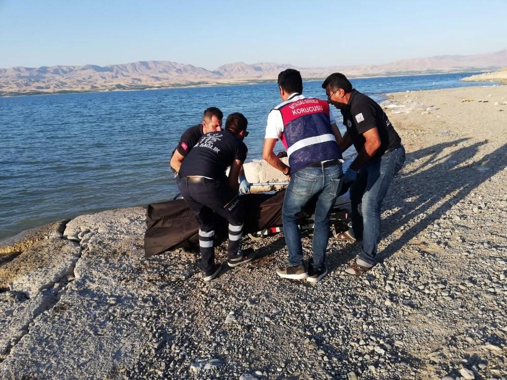 Malatya'da serinlemek için baraja giren genç boğuldu