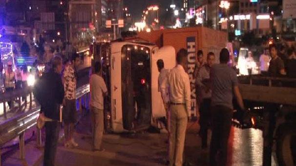 Maltepe'de zincirleme trafik kazası: 1'i ağır 4 kişi yaralı
