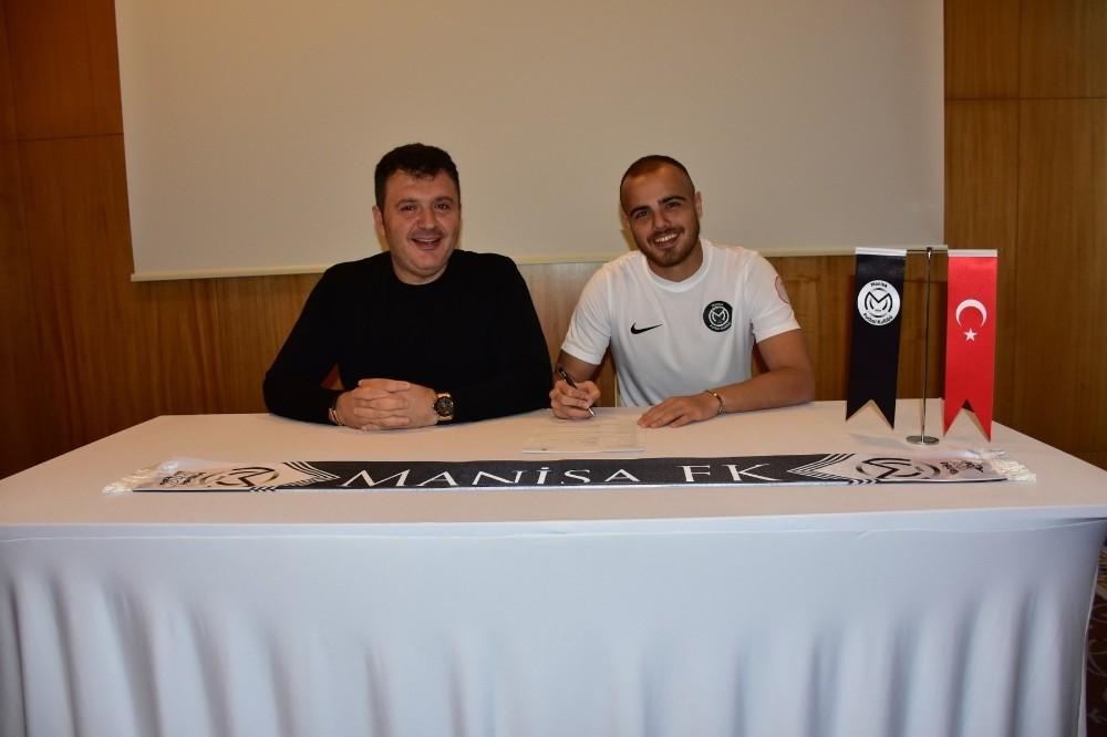 Manisa FK, Orhan Aktaş ile 1,5 yıllık sözleşme imzaladı
