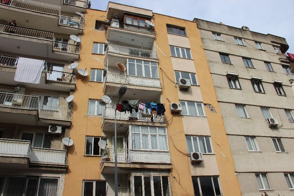 Manisa'da tahliye edilen 7 katlı binayla ilgili rapor hazırlandı