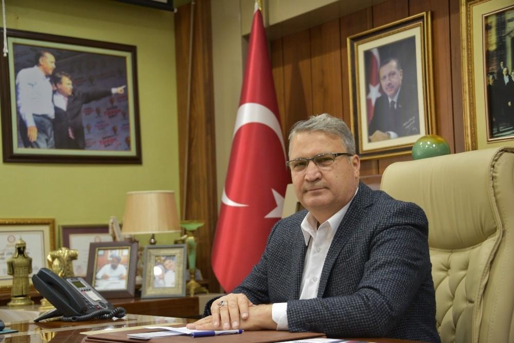 Manisa'nın en başarılı ilçe belediye başkanı Çerçi oldu