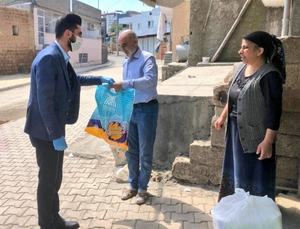 Mardin Büyükşehir Belediyesinden temizlik malzemeleri dağıtımı