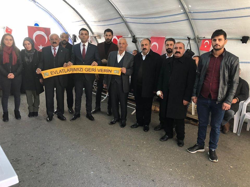Mardin ve Şırnak'tan evlat nöbetindeki ailelere destek