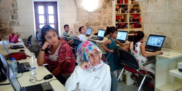 Mardinli kız çocukları Vodafone ile yarını kodluyor