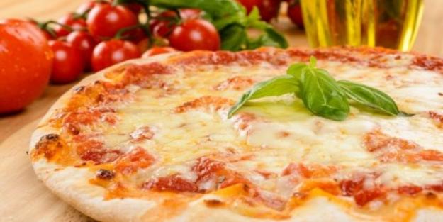 Margarita pizza nasıl yapılır? Margarita pizza tarifi