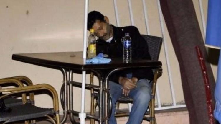 Marketten aldığı limonatanın yarısını içti masada öldü