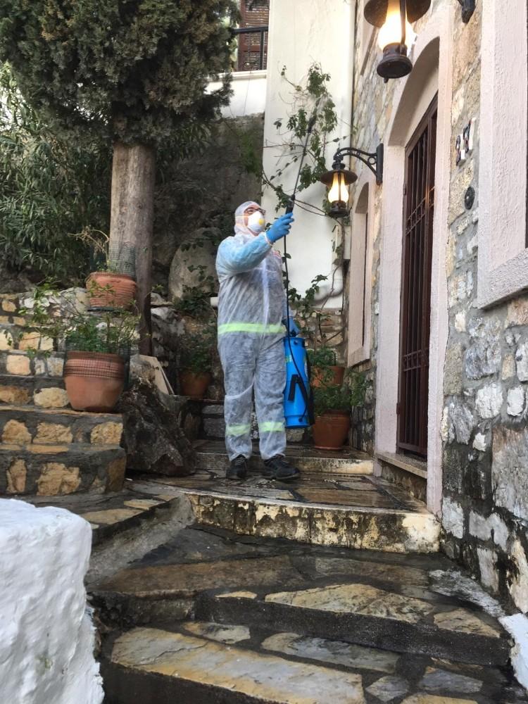 Marmaris Kalesi ve sokaklar dezenfekte edildi