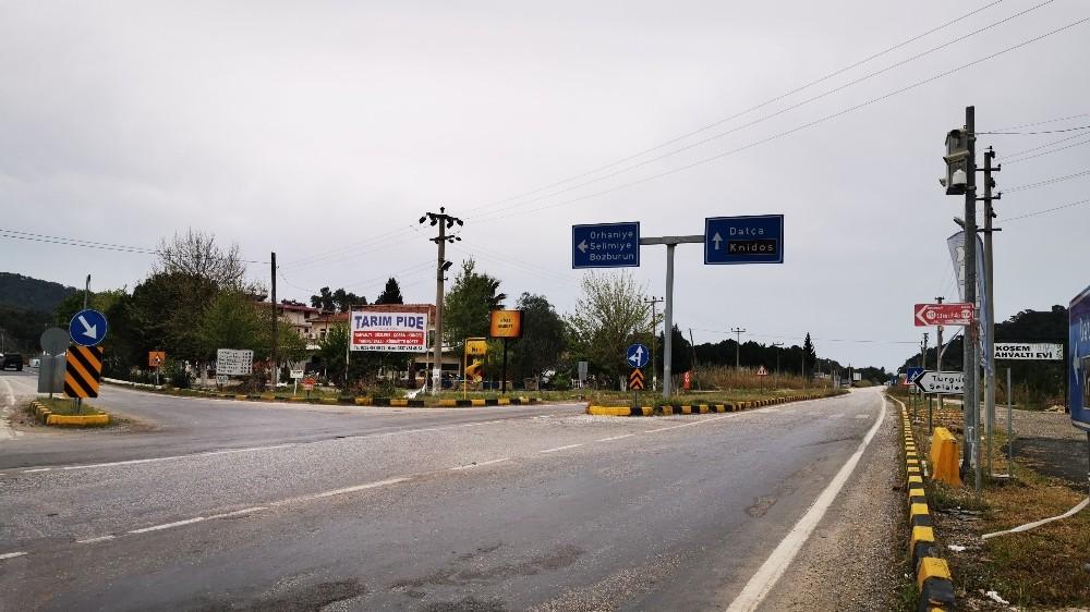 Marmaris'e şehir dışından gelenler evlerinden çıkmıyor