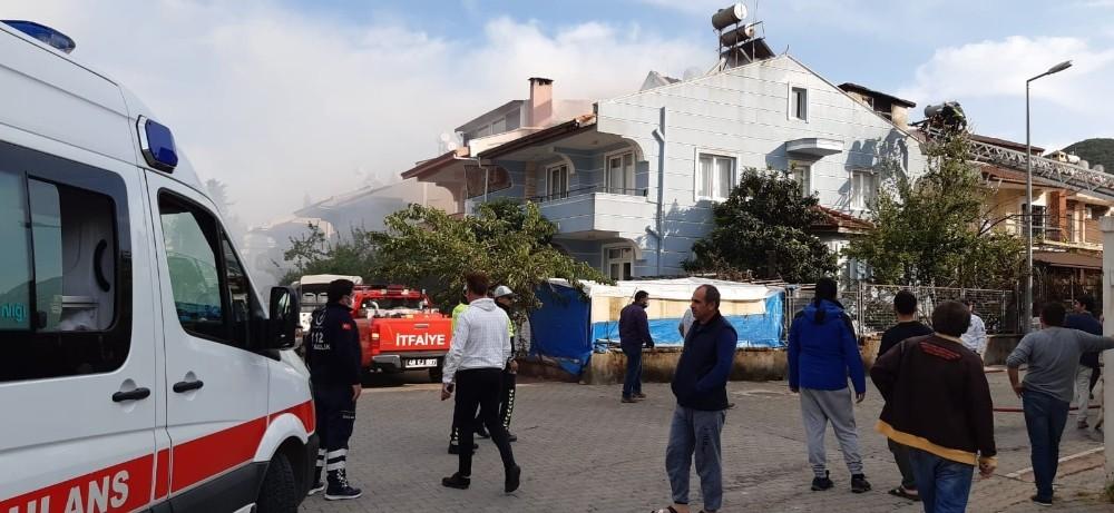 Marmaris'te müstakil evde yangın paniği