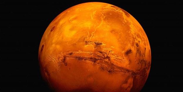 Mars'ta akarsu izleri tespit edildi!